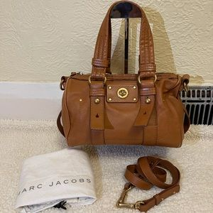 MARC JACOBS totally turnlock leather 2 way bag